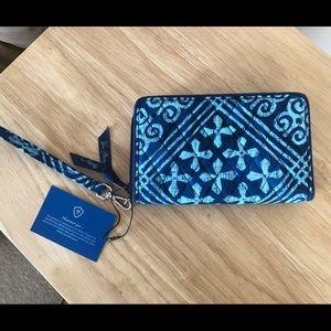 Vera Bradley RFID Grab and Go Wristlet Cuban Tiles